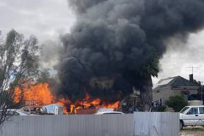 A shed goes up in flames in Tailem Bend. Photo: The Standard.